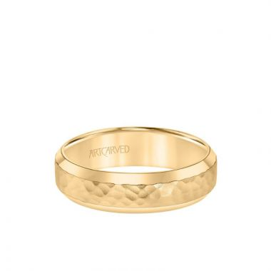 ArtCarved 6MM Men's Classic Wedding Band - Hammered Finish and Bevel Edge in 14k Yellow Gold
